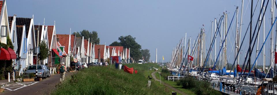 De dijk en haven van Durgerdam