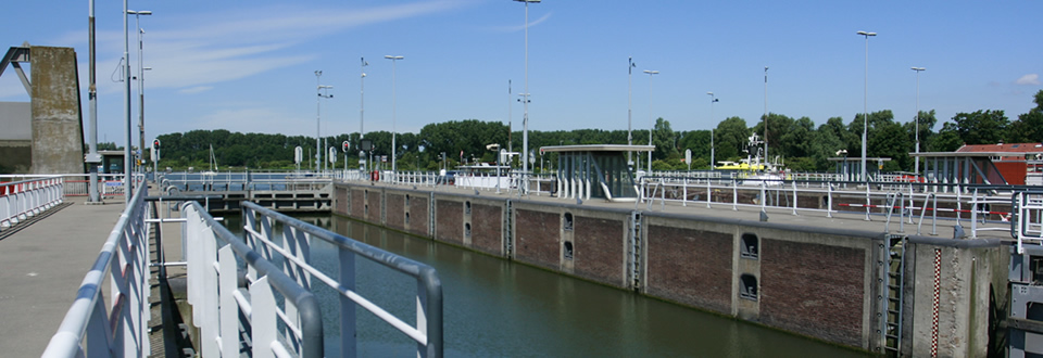 Oranjesluis begin Rijnkanaal